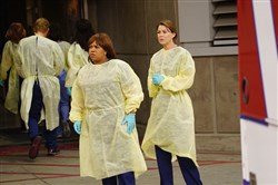 "GREY'S ANATOMY – ""Time Stops"" – The doctors of Grey Sloane Memorial Hospital are forced to put their emotions aside when a catastrophic event occurs, on ""Grey's Anatomy,"" THURSDAY, MAY 7 (8:00-9:00 p.m., ET) on the ABC Television Network. Chandra Wilson, Ellen Pompeo"