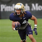 Pitt defensive back Avonte Maddox returns a punt during during practice.earlier this month.