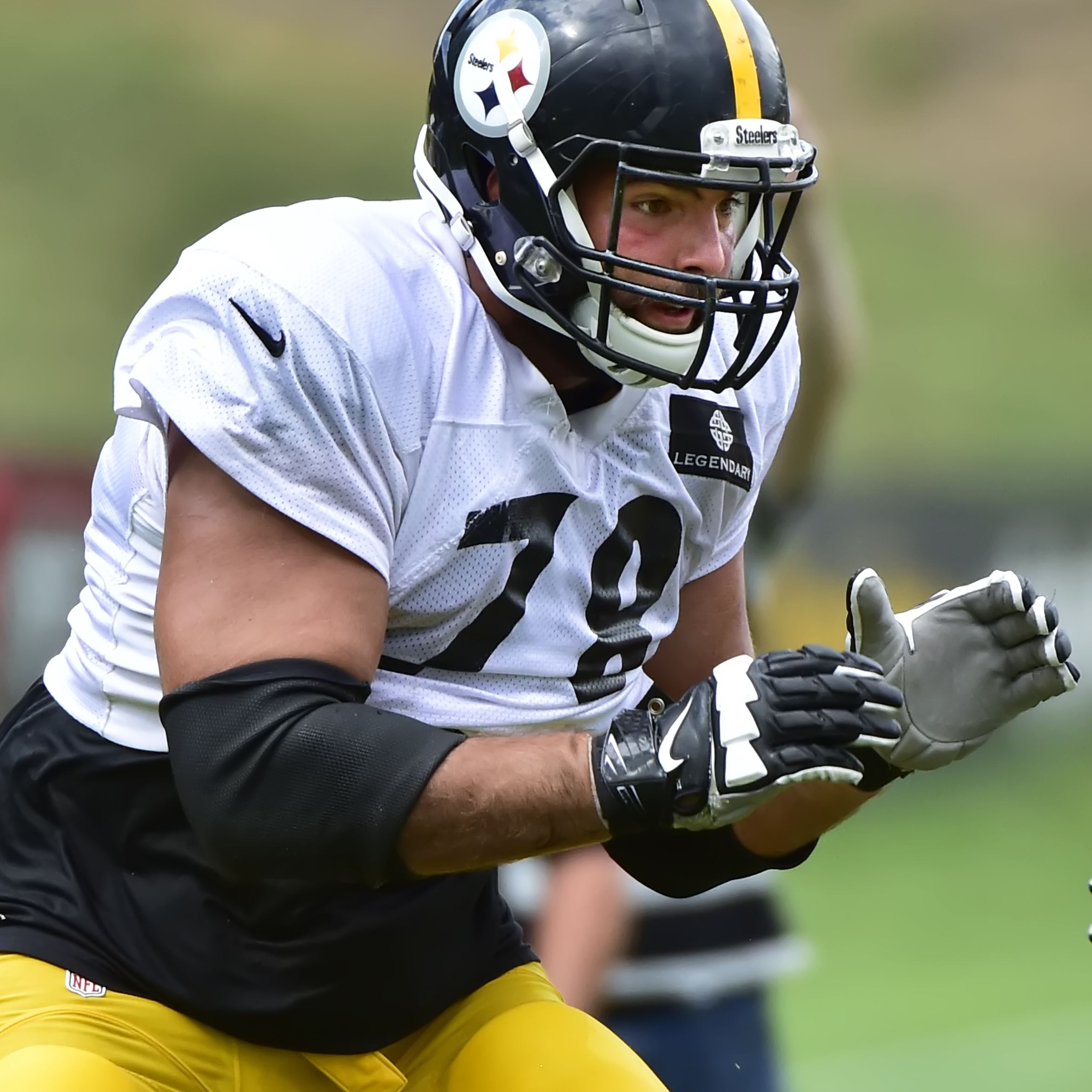 Steelers tackle Villanueva trying not to think too much