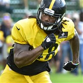 Steelers linebacker Bud Dupree during workouts Thursday at St. Vincent College in Latrobe.