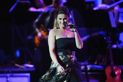 Singer/actress Idina Menzel performs at the Benedum Center on Tuesday night.
