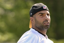 Bruce Gradkowski had surgery on his thumb and right shoulder last season.