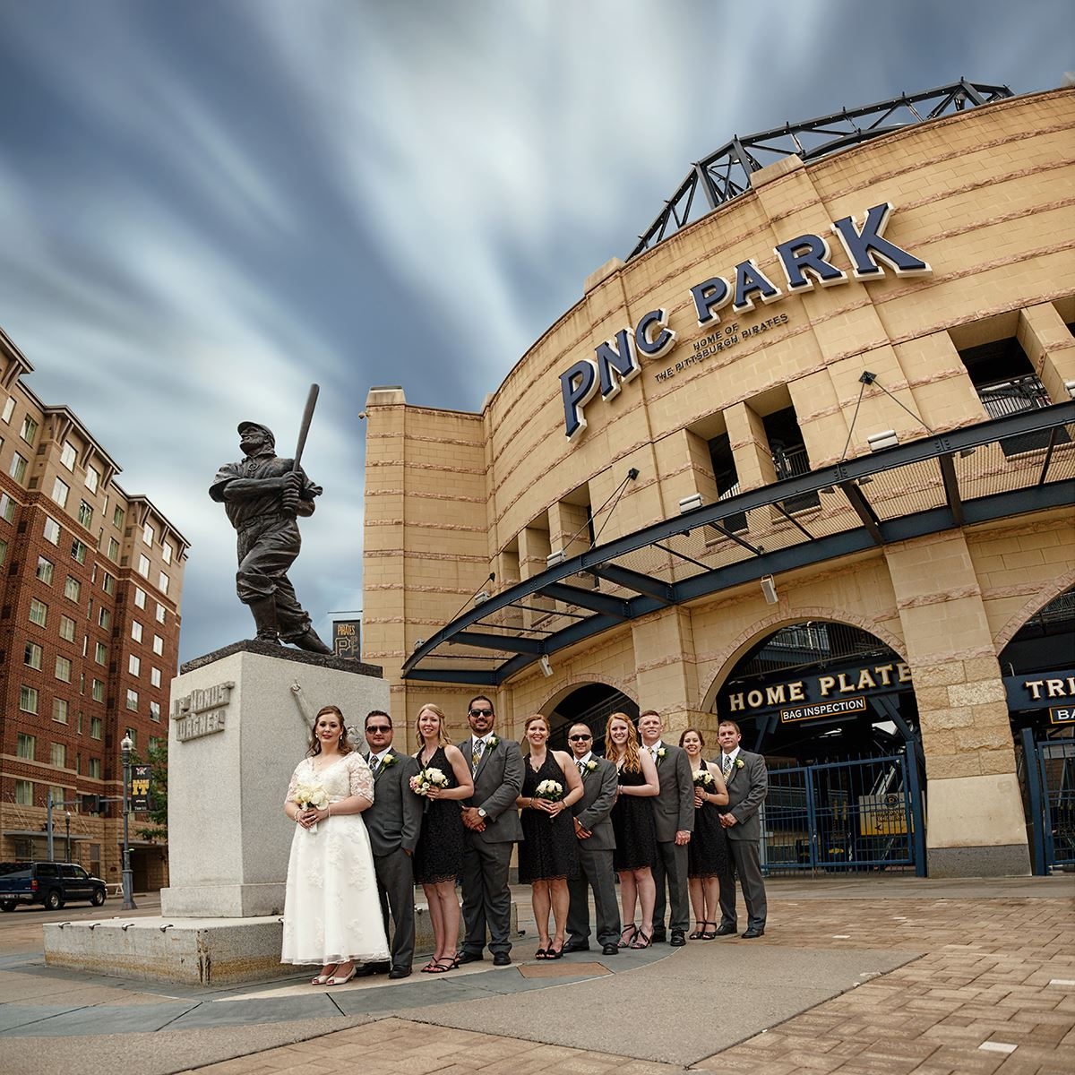 St Brides Real Estate: Brides And Grooms Put Pittsburgh In Their Photos