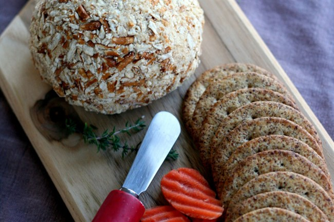 Beer Cheese Spread (Ball)