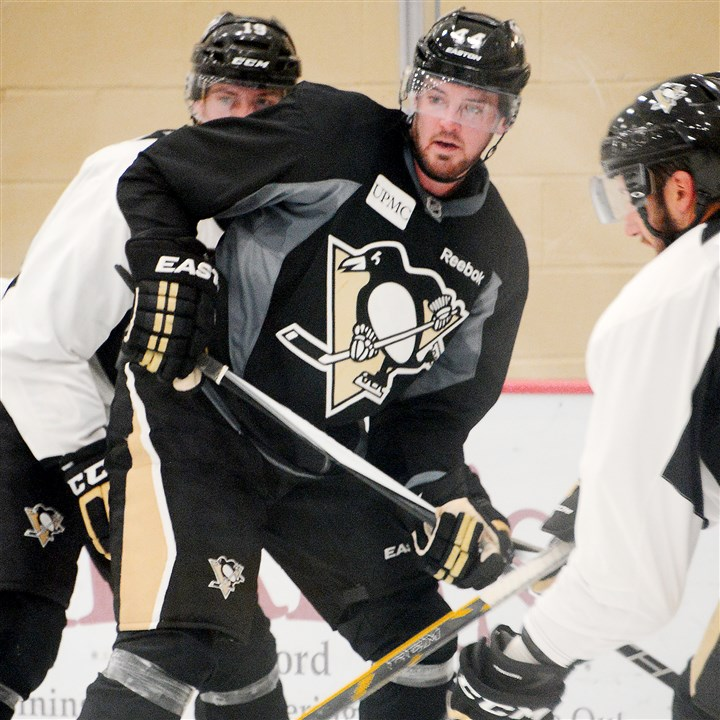 Penguins re-sign Erixon to one-year deal