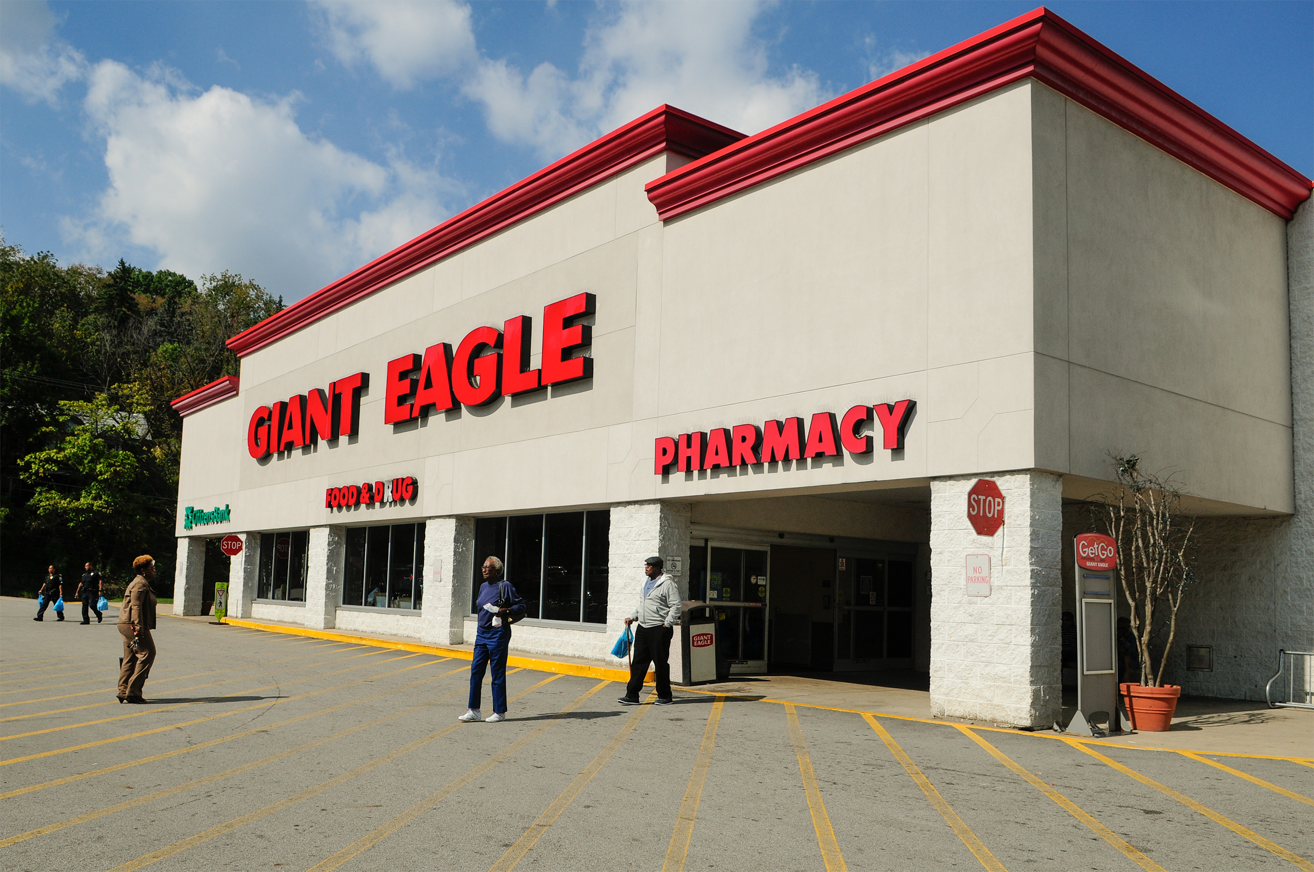 Giant Eagle chain offering buyouts