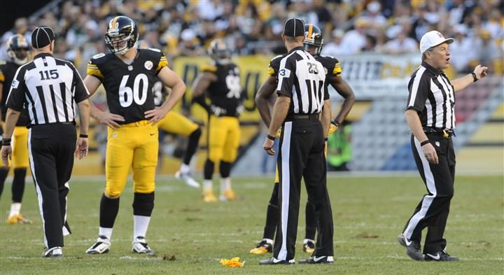Steelers re-sign long snapper Warren