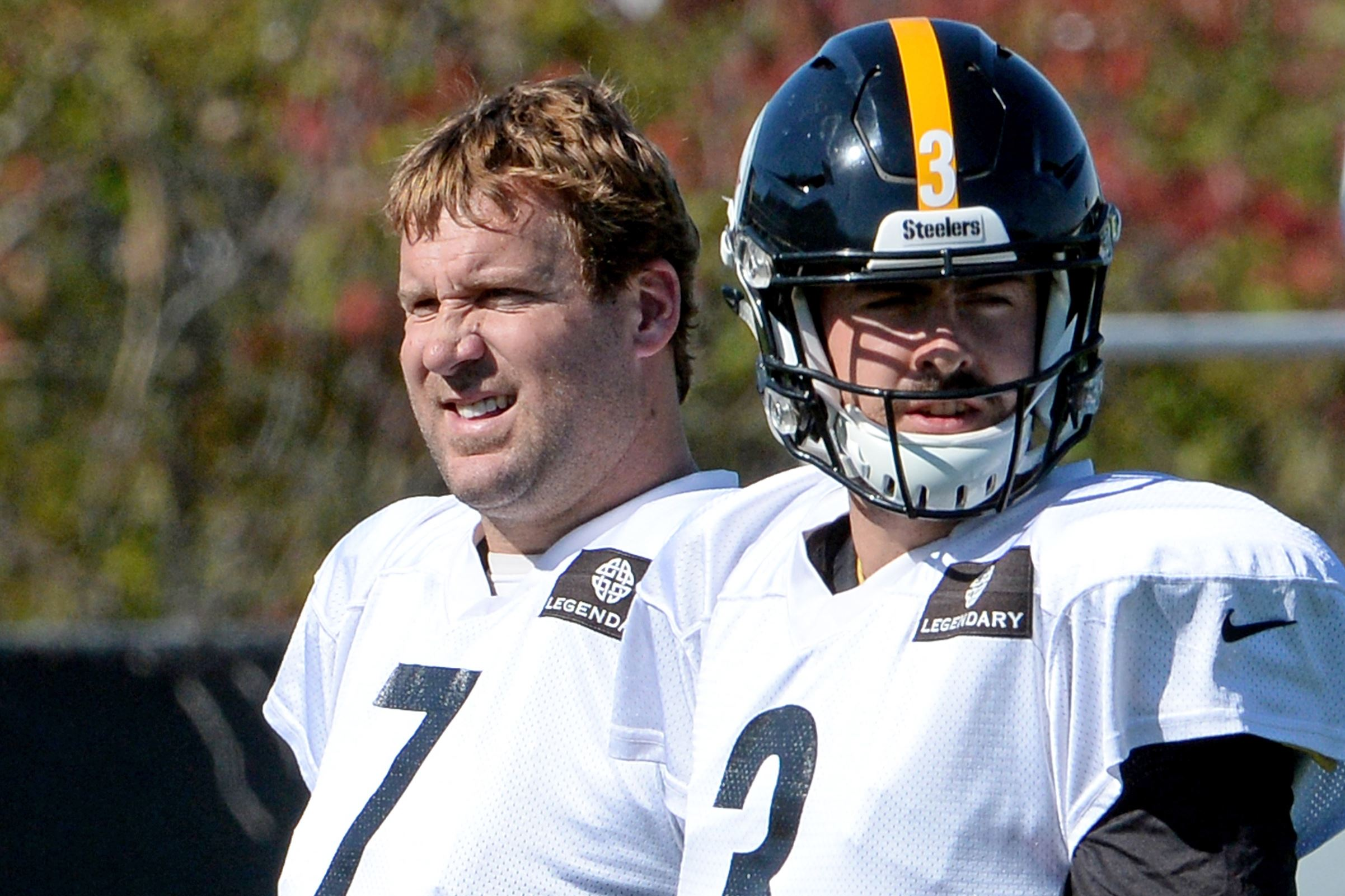 Michael Vick has small tear in hamstring
