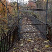 Wilksboro Avenue footbridge, closed since 2007.
