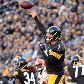Steelers quarterback Ben Roethlisberger gets a pass off against the Browns in the fourth quarter of a game last fall at Heinz Field.