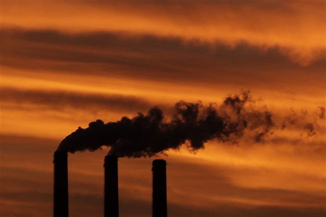 Smoke billows from smokestacks near Emmett, Kansas. The Environmental Protection Agency (EPA) wants to set tougher new limits on smokestack emissions from nearly two dozen states that burden downwind areas with air pollution from power plants they can't control.