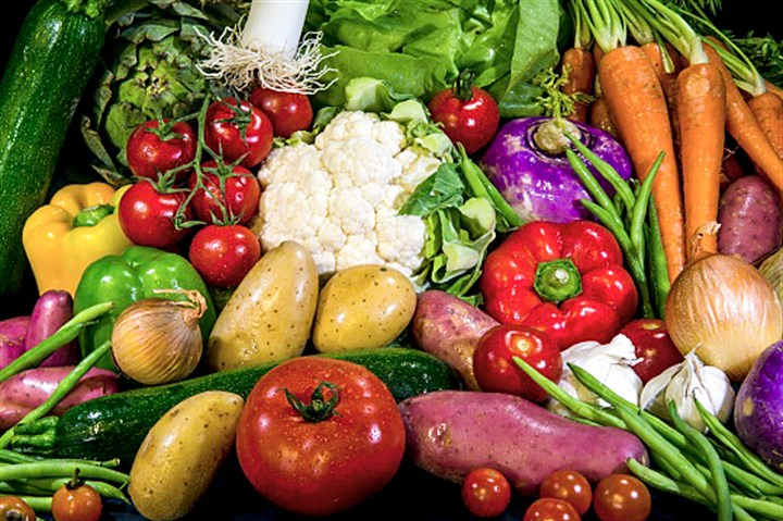 Par7946359 A group of scientists from around the world say we need to eat more fruits and vegetables as part of healthy daily diet.