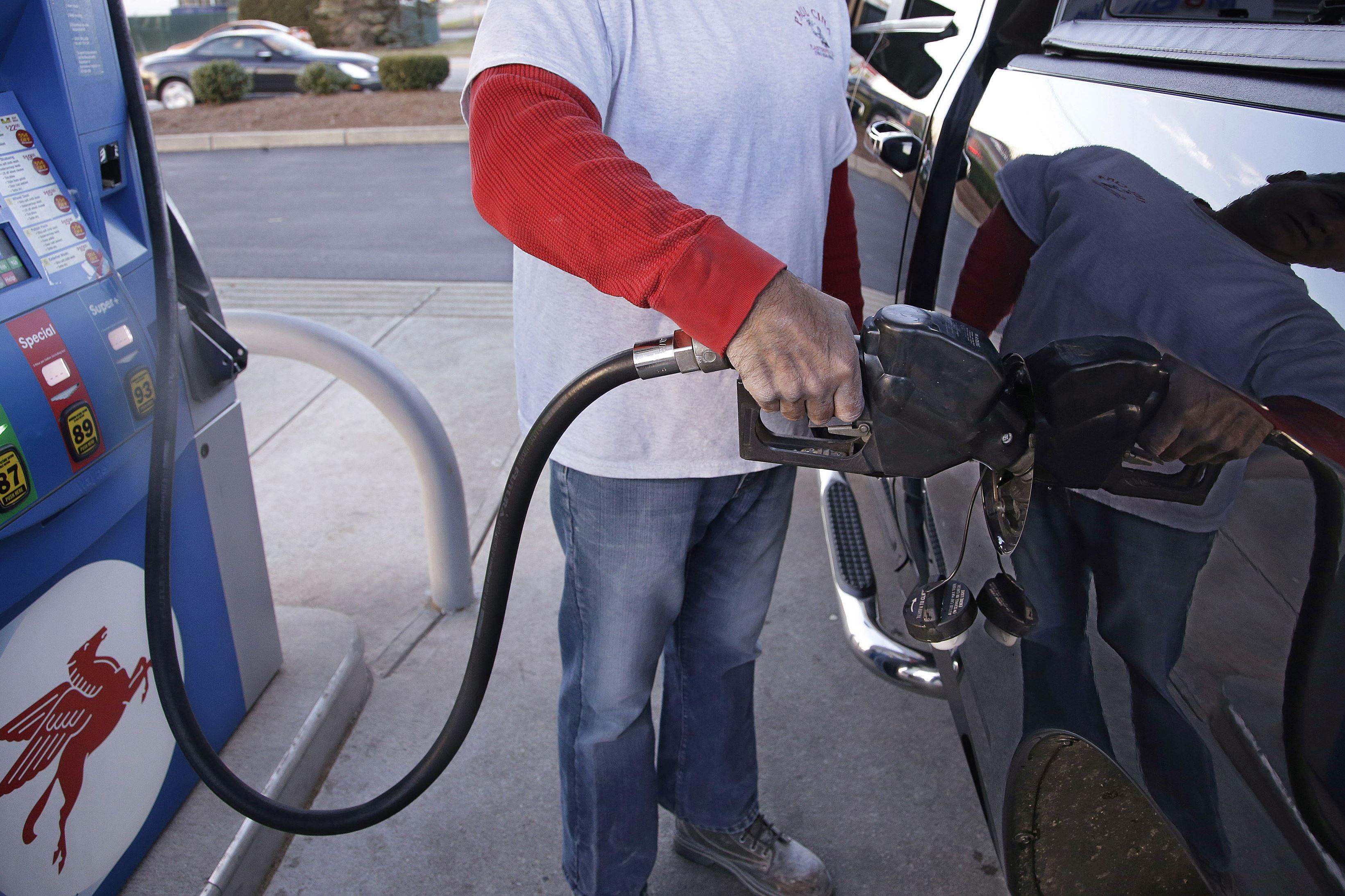 Average Houston gas price drops 1.6 cents