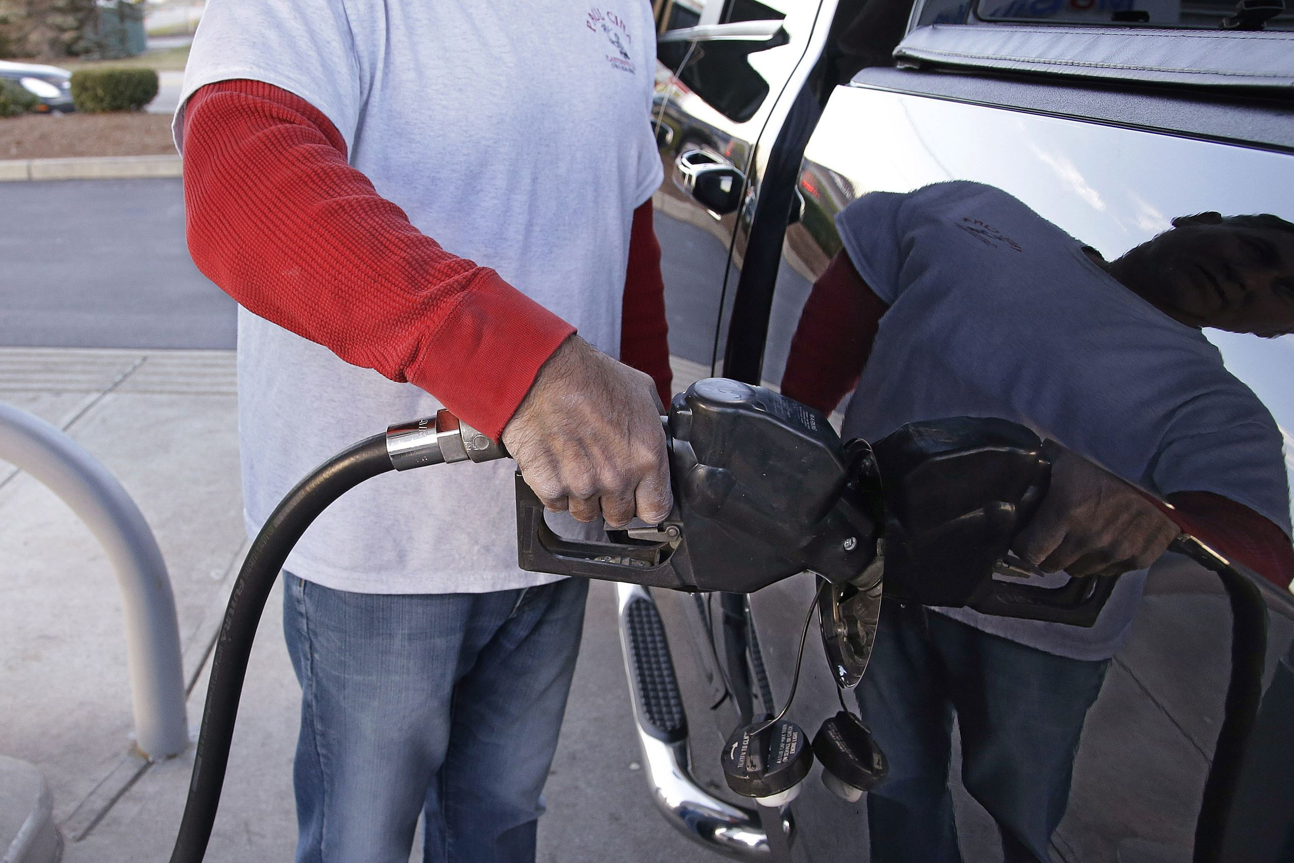 Gas Prices Fall Across Area