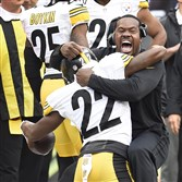 Peter Diana / Post-Gazette 12132015  PITTSBURGH Sports:  Pittsburgh Steelers coach Joey Porter celebrates with William Gay after his interception against the Bengals at Paul Brown Stadium Cincinnati Ohio