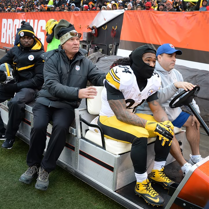 20160103pdSteelersSports03 DeAngelo Williams is carted off with an ankle injury in the first half at FirstEnergy Stadium in Cleveland Ohio.