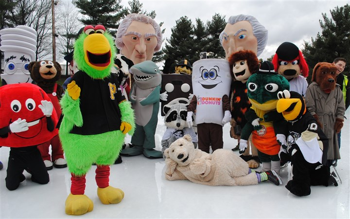 "HOtlist0107295-1 Citiparks ""Mascot Skake"" will take place on Saturday at Schenley Park Skating Rink."