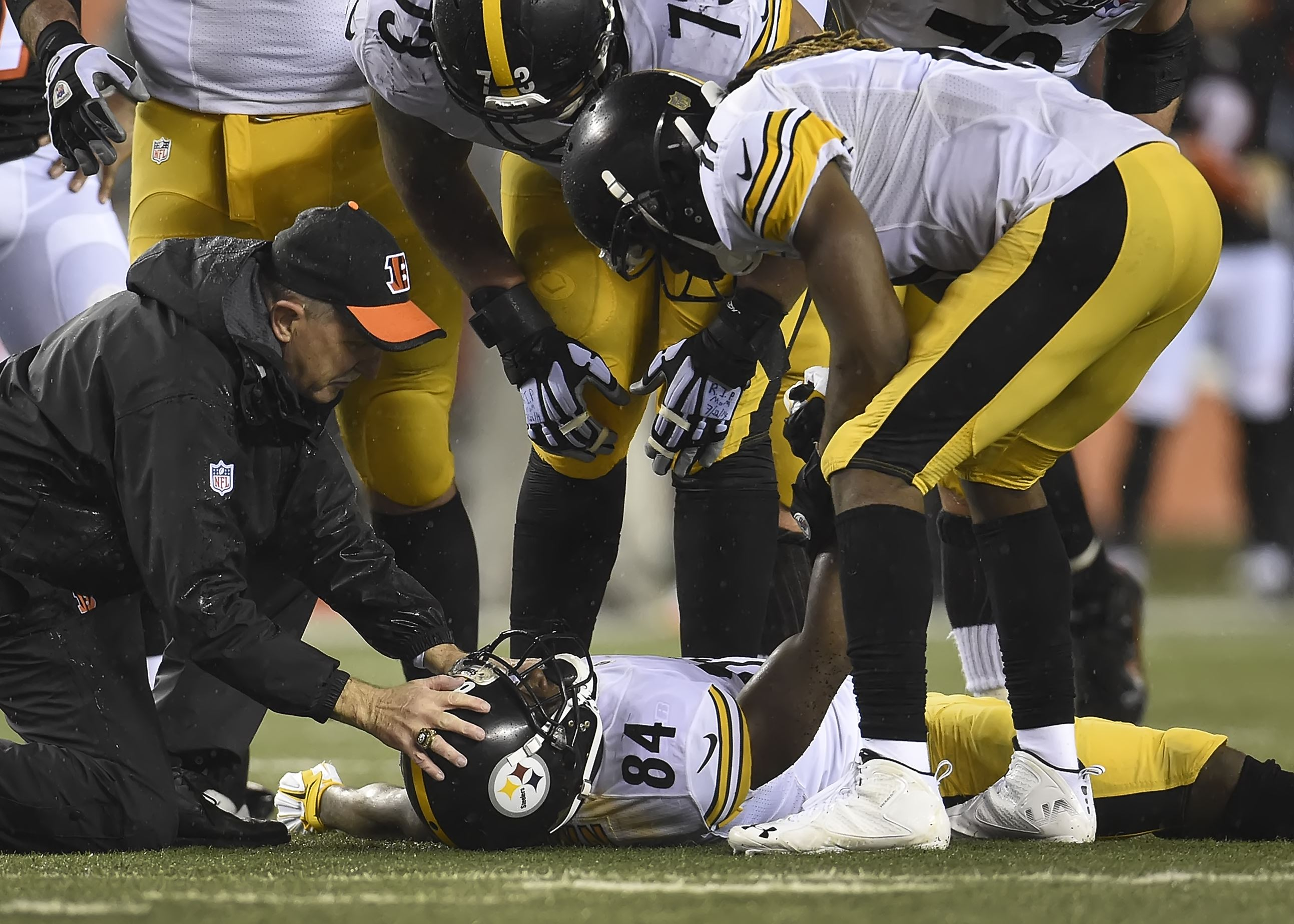 Steelers' Antonio Brown says Vontaze Burfict was trying to 'kill me, steal my dreams'
