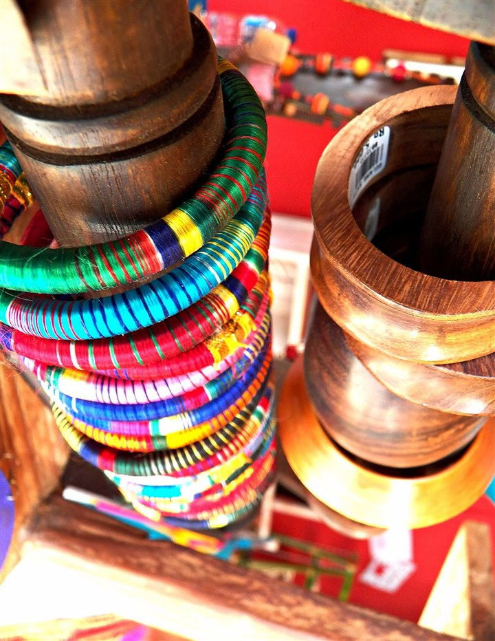 stylebooksnapshot0117_mag_03-1 Colorful bangles are among the accessories for sale at Culture Cloz in Bali, Indonesia.