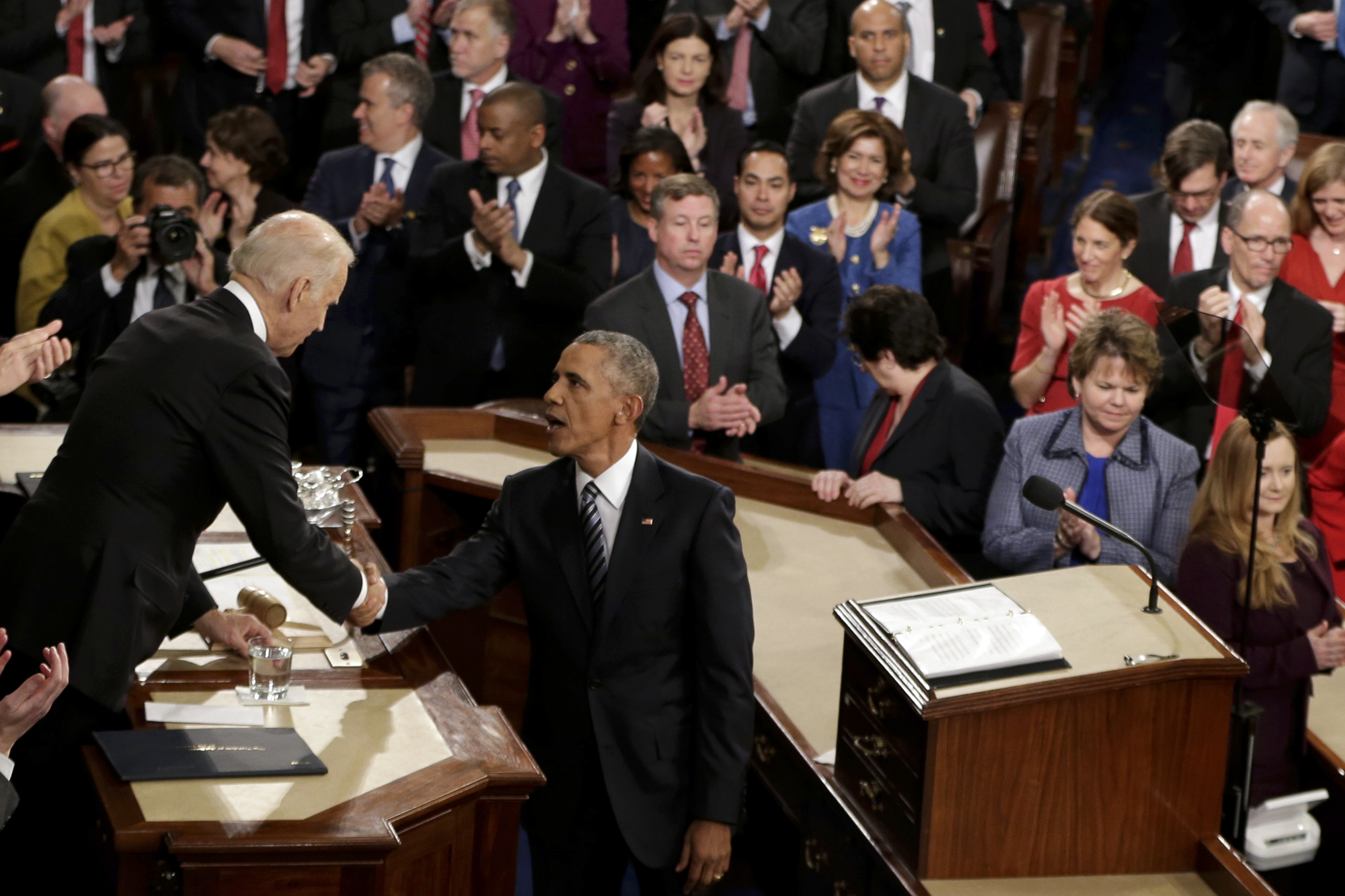 """obama state of union address The always outspoken rep steve stockman (r-texas) walked out midway through president obama's state of the union address on tuesday, the dallas morning news reported """"tonight i left early after hearing how the president is further abusing his constitutional powers,"""" stockman told the dallas."""