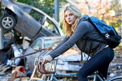 "Chloe Grace Moretz as Cassie Sullivan in a scene from ""The Fifth Wave."""