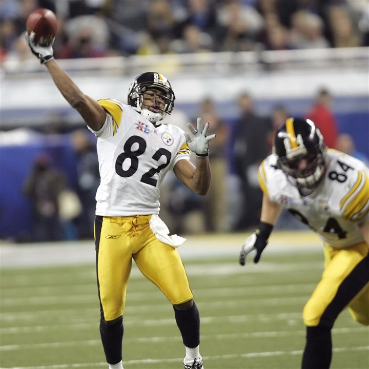 SUPER BOWL FOOTBALL Antwaan Randle El throws a 43-yard touchdown pass in Super Bowl XL. If he had to go back and do it all again, he said he wouldn't play football.