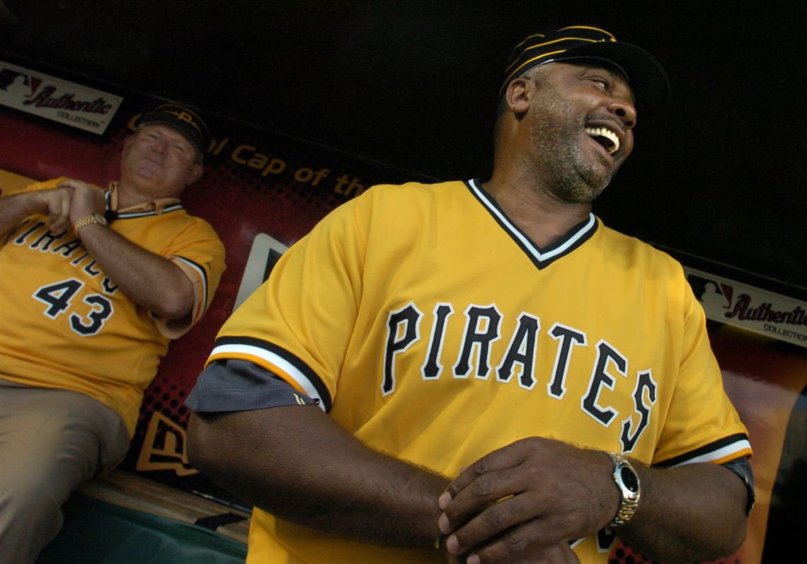 5ce2659cd83 Ex-Pittsburgh Pirate Dave Parker shares a laugh with 1979 teammate Don  Robinson (back