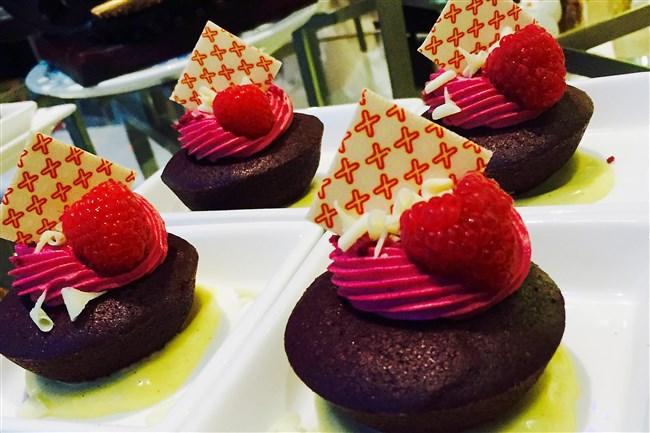 Beet hibiscus red velvet cake