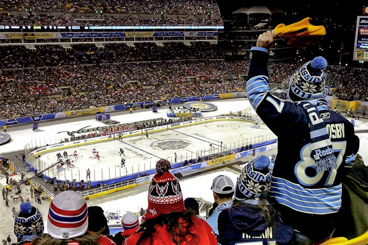91e00kh2.JPG An NHL Winter Classic game was held at Heinz Field in January 2011.