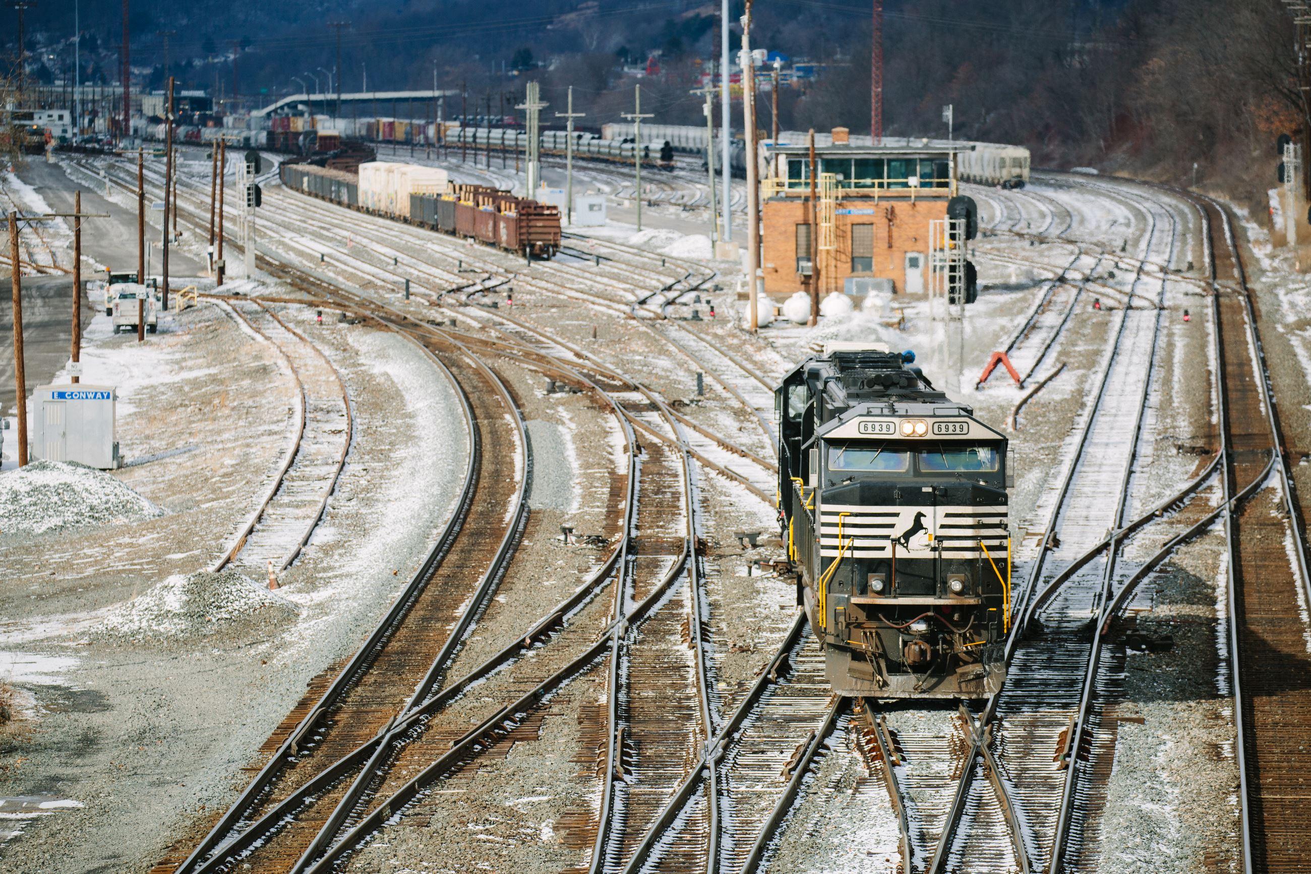 As Coal Cools Off Railroads Close Tracks And Cut Jobs Across The - Us railroad map 2016 ohio