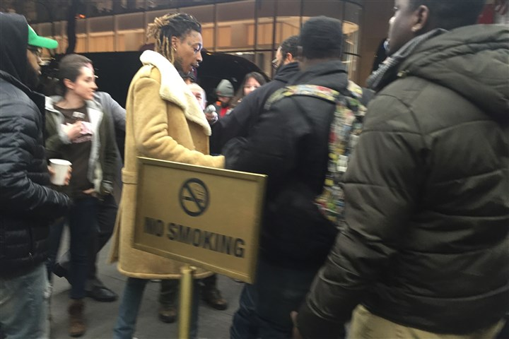 Wiz2.JPG Wiz Khalifa greeted by paparazzi on the way out of NBC Studios.