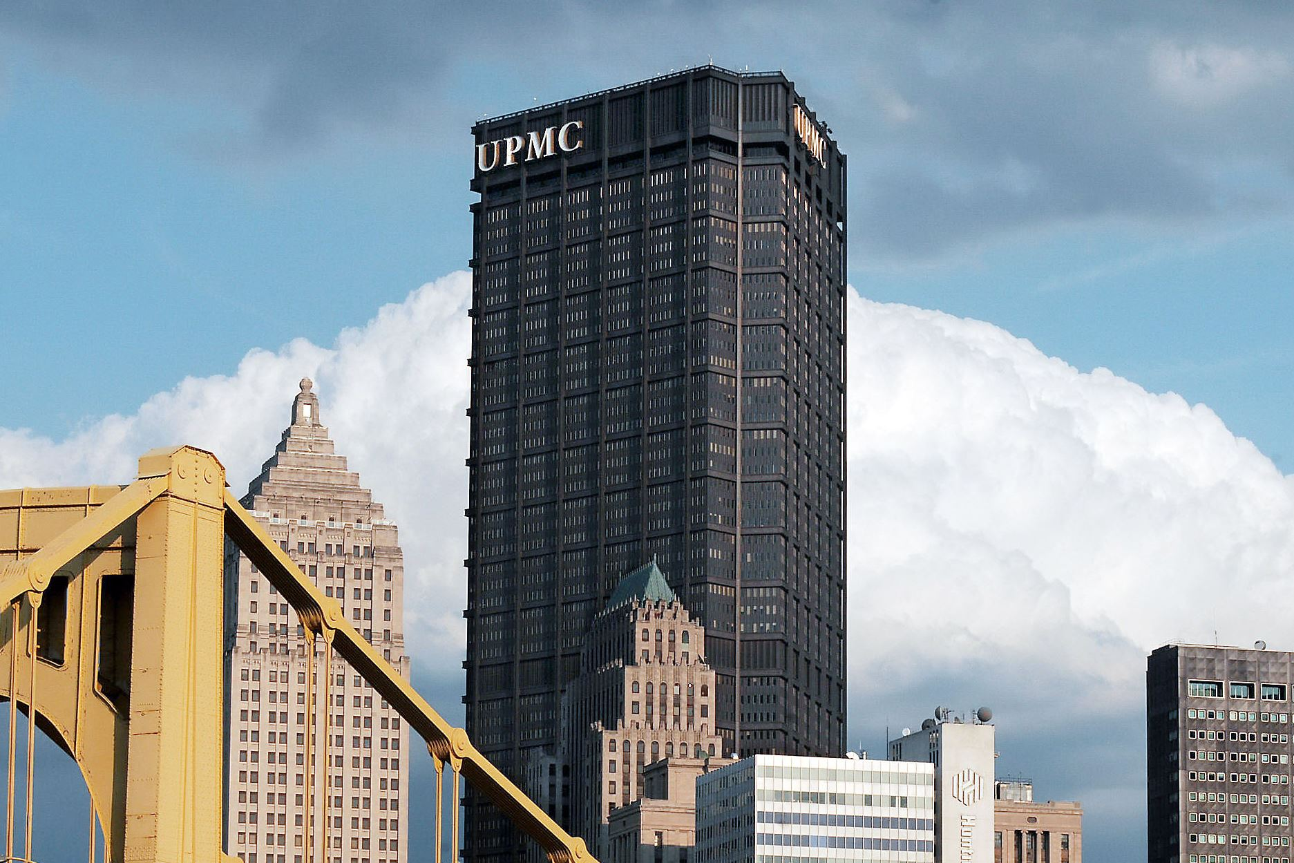 PinnacleHealth to affiliate with UPMC, acquire four midstate hospitals