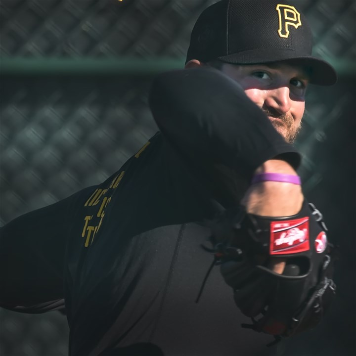 20160217pdPiratesSports03-2 New Pirates left-hander Jon Niese delivers off the mound during morning workouts Wednesday at Pirate City in Bradenton, Fla.