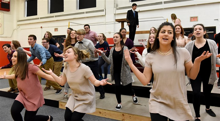 "20160221radStSebastianNorth02-1 Students in the St. Sebastian Youth Ministry rehearse ""Jesus Christ Superstar."""