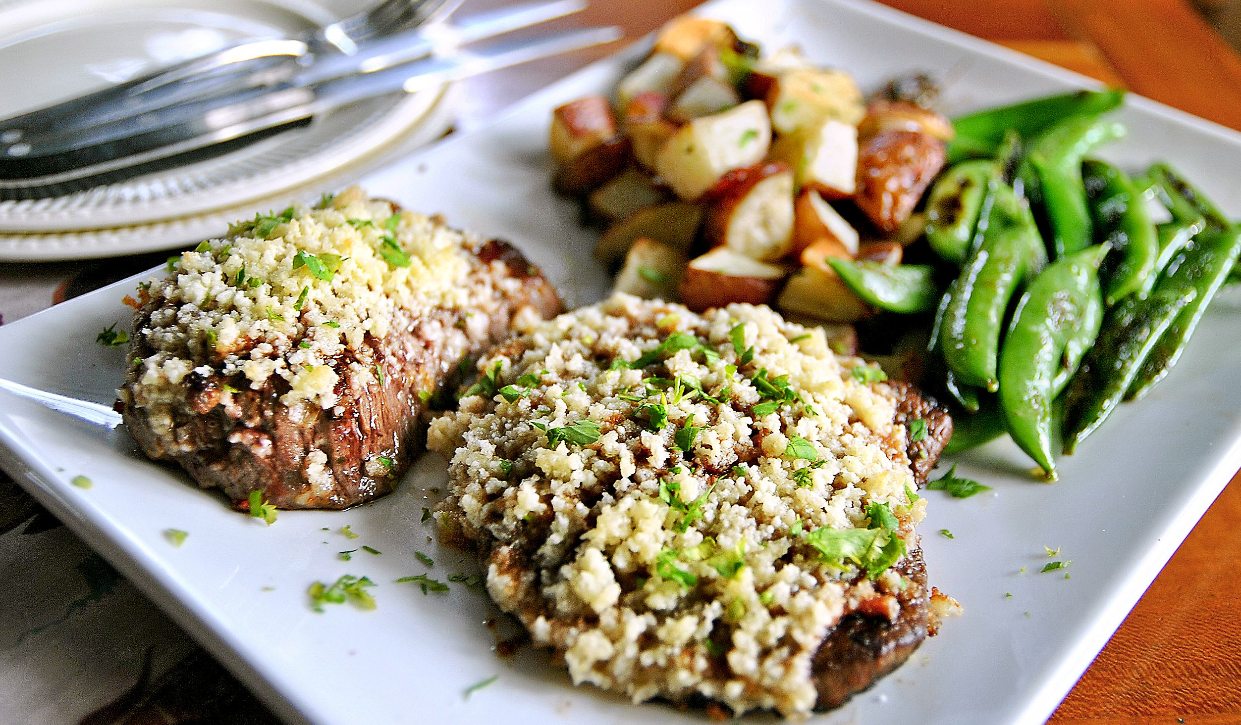 dinnerinabox0309_parmesan_sirloin Home Chef's Parmesan-Crusted Sirloin.