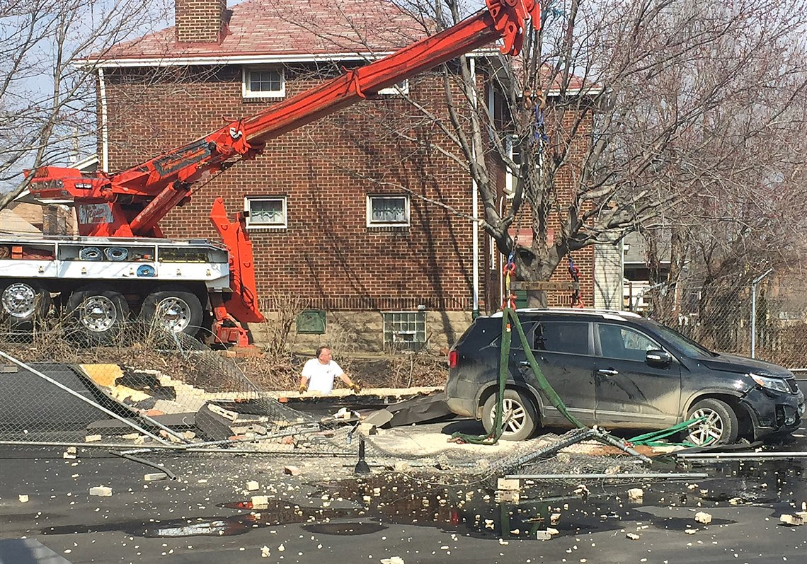 Suv In Greenfield Crashes Onto Roof Of Giant Eagle Forcing A