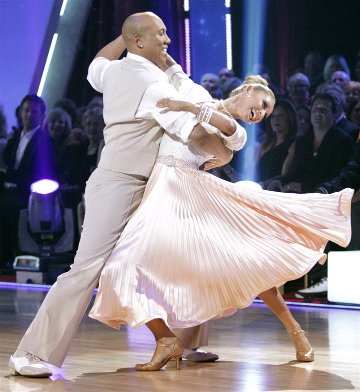"91600kef-6 Former Steeler Hines Ward, with dancing partner Kym Johnson, won the Mirrorball Trophy on ""Dancing With the Stars"" in 2011."