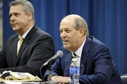 Pitt basketball coach Kevin Stallings and the Panthers will play at the Barclays Center in 2017.