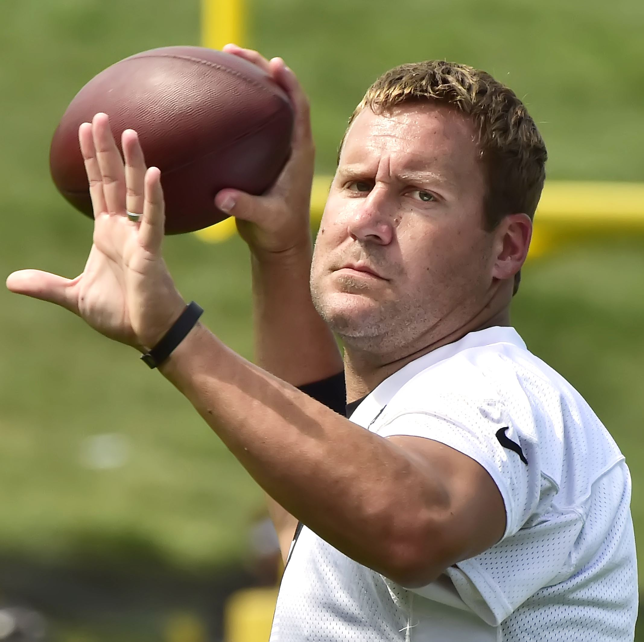 Not time to draft Roethlisberger's replacement - yet