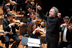 Manfred Honeck conducts the PSO