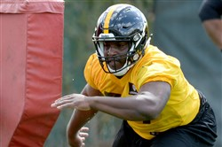 Steelers defensive lineman Javon Hargrave goes through drills May 6 during rookie minicamp at the UPMC Rooney Sports Complex.