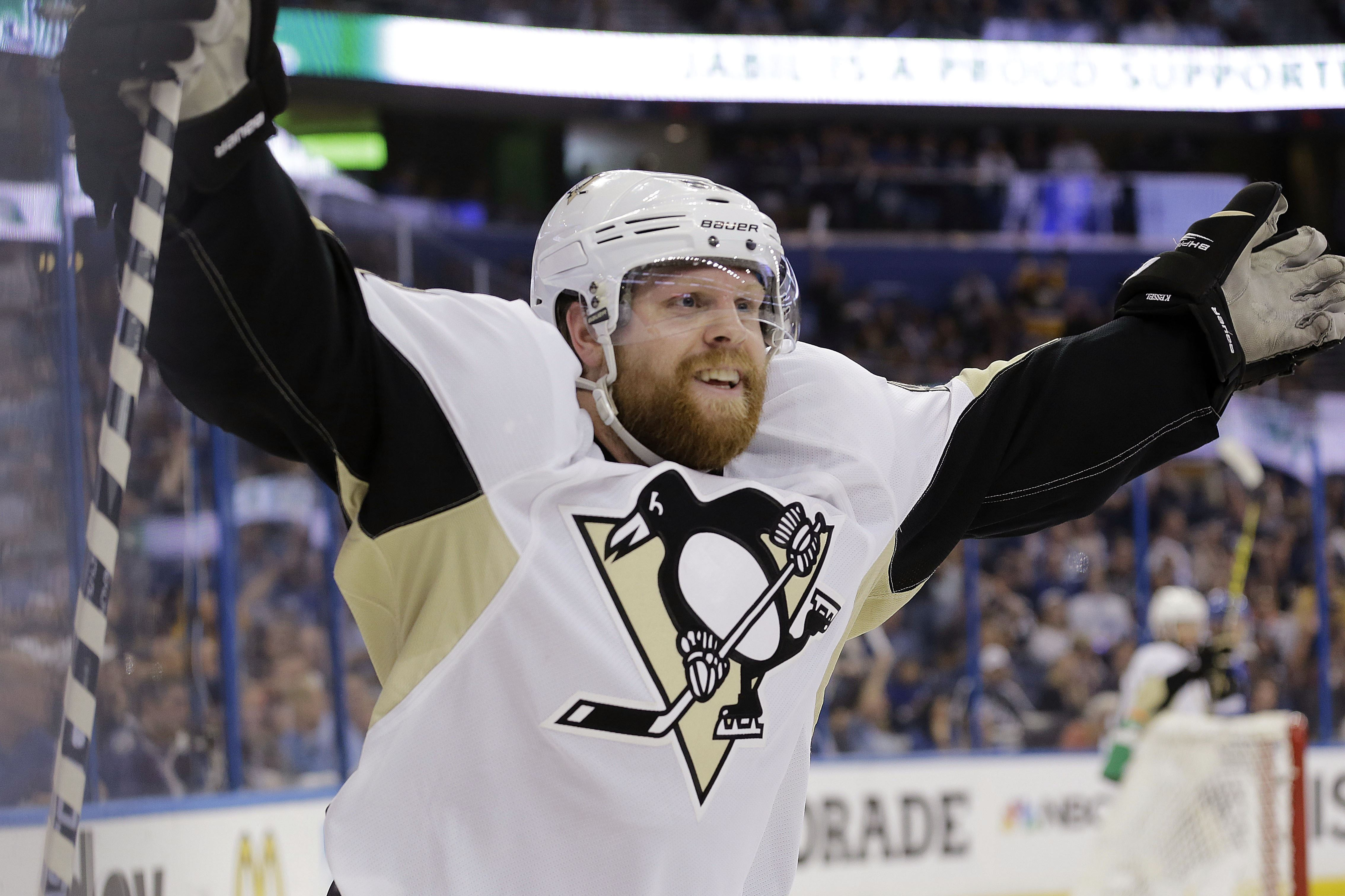 With NHL free-agent market set to open, don't expect anything like Kessel deal