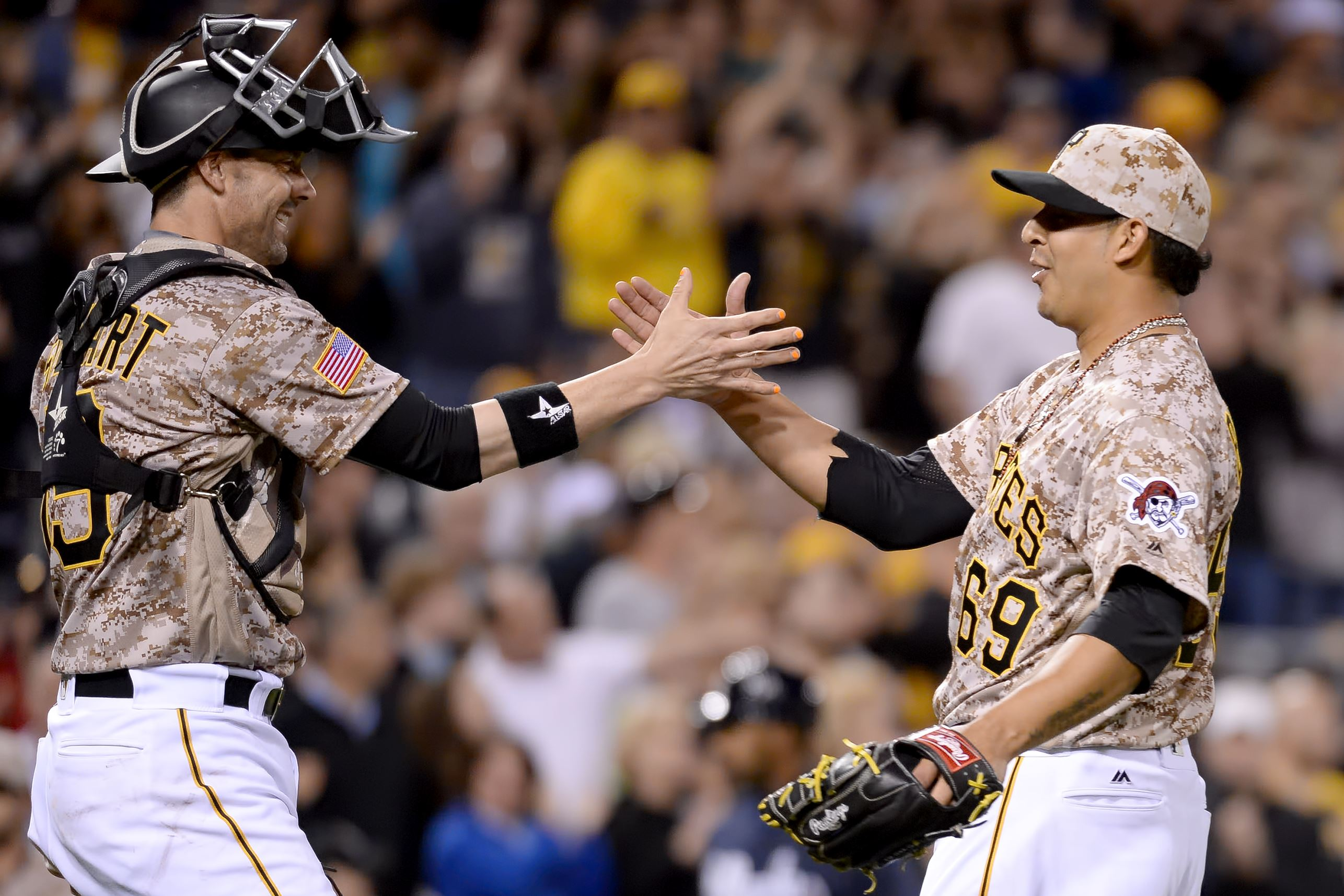 Pirates release Boscan, option Moroff to activate Vogelsong