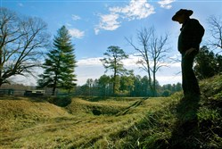 The Petersburg National Battlefield has become an active crime scene after looters dug up a site where more than 1,000 Union and Confederate soldiers died, according to the National Park Service.