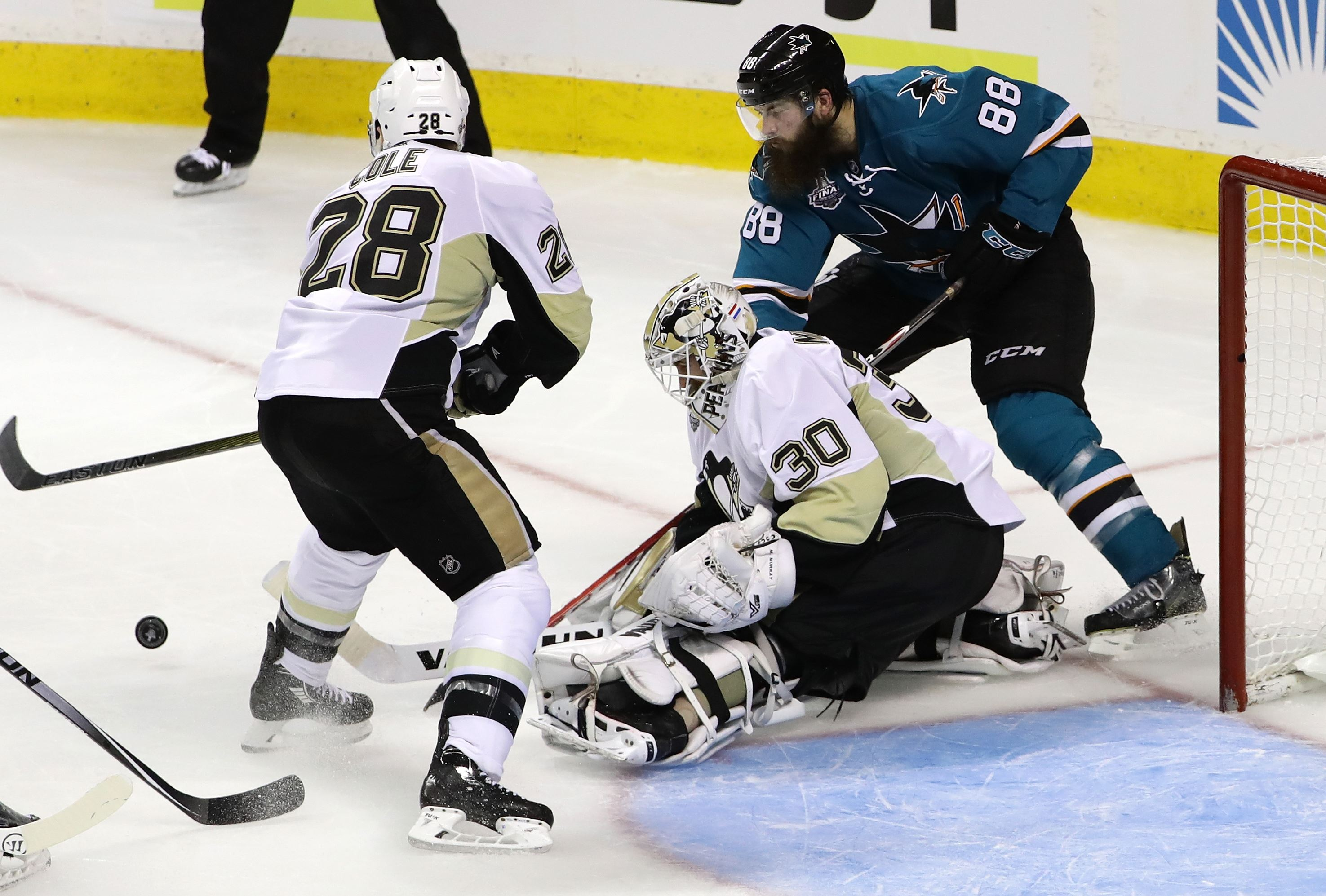 Donskoi's victor in OT gives Sharks 3-2 win