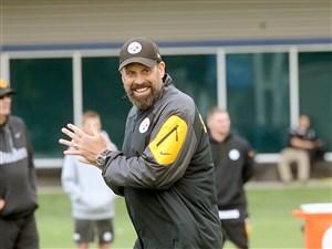 Steelers offensive coordinator Todd Haley.