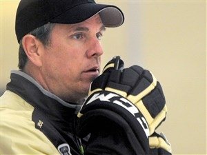 Penguins coach Mike Sullivan was part of the American team's coaching staff for the World Cup of Hockey.