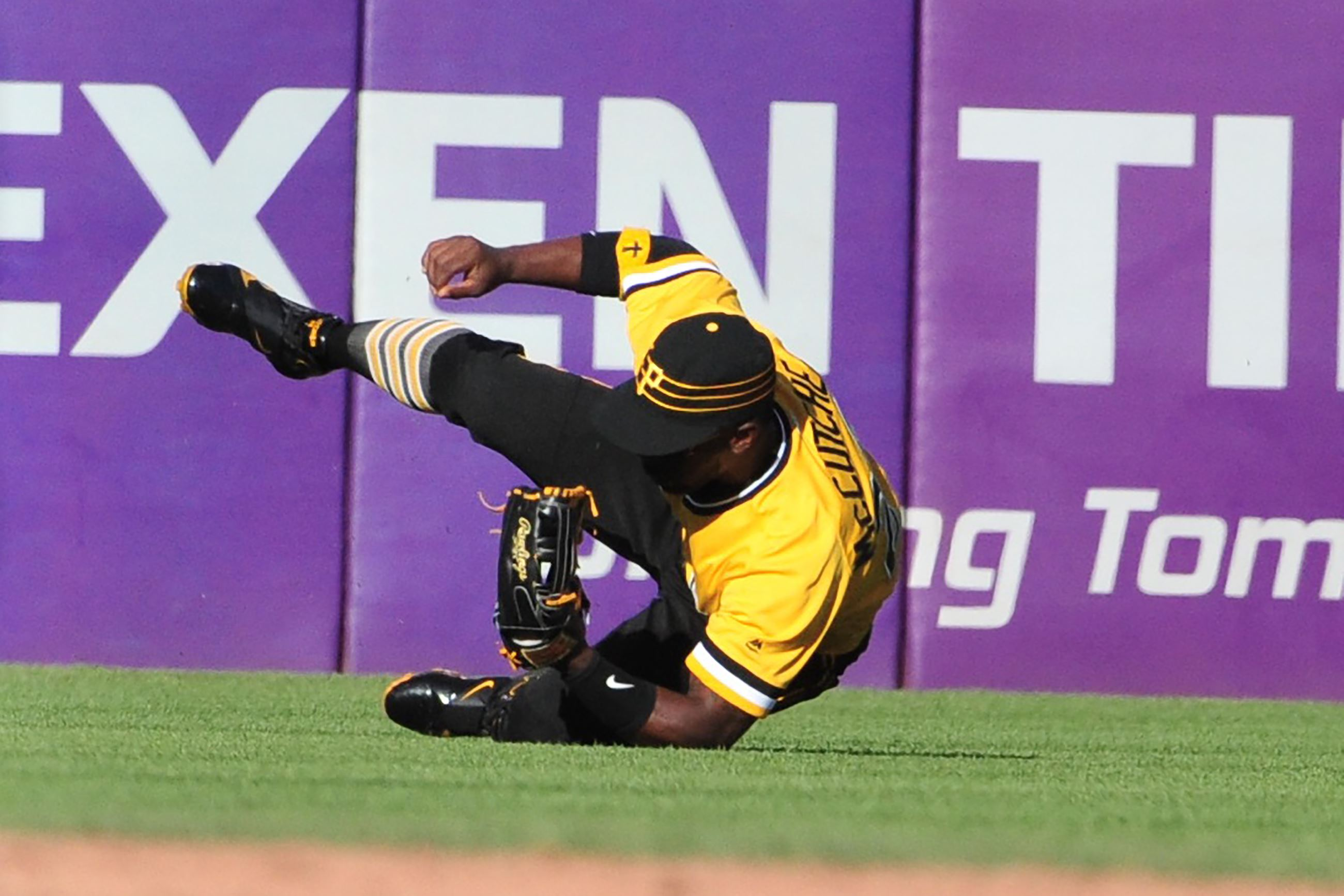 Taillon dominates, Pirates top Mets 4-0 to stop 5-game skid