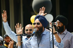 "Harnarayan Singh, the play-by-play broadcaster for ""Hockey Night in Canada Punjabi,"" relives his now-famous call on Nick Bonino's game one-winning goal during the Penguins' Stanley Cup championship parade in Downtown Pittsburgh."