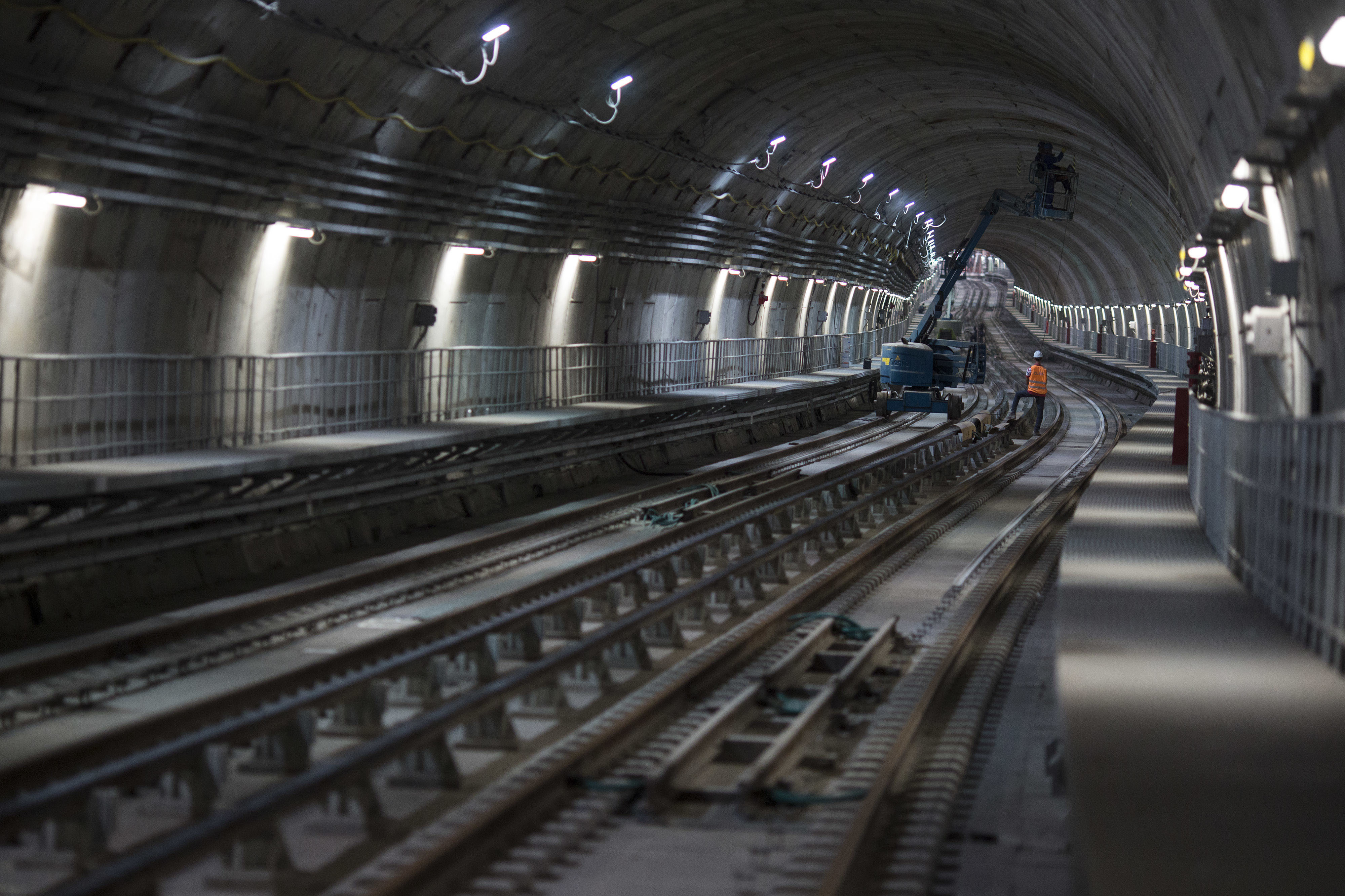 Rio 39 s new subway line is running out of time before olympics for Construction de tunnel